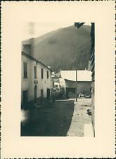 France, Abriès, à l'intérieur du Village       Vintage silver print Tir
