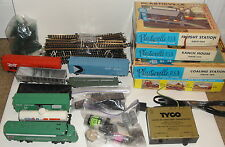 TYCO TRAIN SET LOT Penn Central Engine Locomotive HO Scale Tracks Building Cars