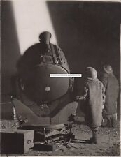 WW2 A4 SIZE REPRODUCTION PHOTOGRAPH: ATS SEARCHLIGHT GIRLS GO INTO ACTION
