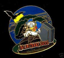Disney Donald 3D Happy Halloween 2006 Pin ~ Le