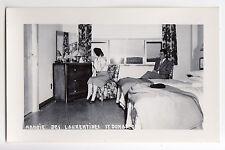 Chambre Manoir des Laurentides ST-DONAT Quebec Canada 1946-60 Carte Photo RPPC 2