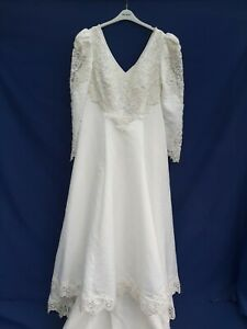Alfred Angelo Ivory  Wedding Dress With Bead Detail Plus Size 22