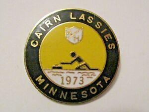 VINTAGE 1973 CAIRN LASSIES MINNESOTA SPORTS CURLING PIN ~ RARE ESTATE FIND !