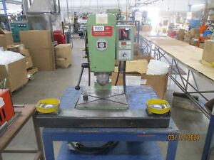Bracker Radial Riveter (R111)
