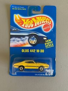 1991 Hot Wheels Blue Card # 267 OLDS 442 W-30 YELLOW  FREE SHIP