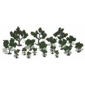 "Woodland Scenics TR1111 0.75"" - 3"" Medium Green Realistic Tree Kits (Pack of 21)"