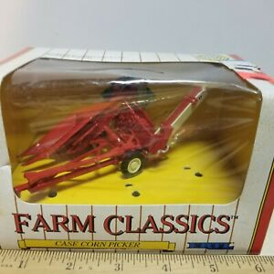 Toy 1991 ERTL Case McCormick 1-PR Corn Picker Farm Classics 1/43 Tractor