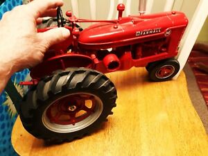 Ertl Farmall M 1/8 Scale Tractor (1995 Farm Progress Show) Preowned.Very Large!!