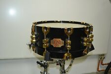 "Premier Signia Maple Gold 5,5x14"" Black Holz Snare mit Koffer"