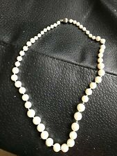 COSTUME JEWELLERY PEARLS NECKLACE IN DISPLAY BOX