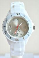 Montre Enfants Filles Garçons Bracelet Silicone Petit Watch Couleur BLANC