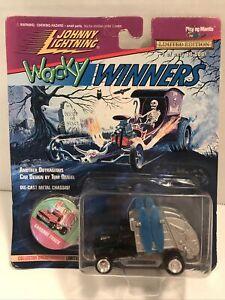 1996 Johnny Lightning Series 4 Wacky Winners Garbage Truck w/Blue Surfboards LE