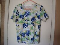 White Stag Turquoise, Dark Blue, Greens S/S Cotton Floral Print, Sz. L, 12/14
