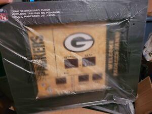 Team Sports America GREEN BAY PACKERS Bluetooth Scoreboard Wall Clock NEW