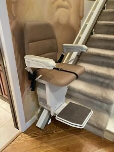 DME CHAIRLIFT Stairlift USED