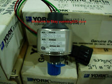 ship dhl , York 025-28678-004 Pressure Transducer ,new