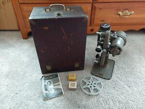 Vintage c1945 Revere Deluxe De Luxe 8mm Model 85 Projector in Case NO POWER CORD