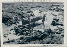 1945 WWII Panama Coast Artillery Soldiers Carry Boat Press Photo