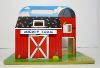 Melissa & Doug Mickey Mouse Mickey Farm Wooden Barn playset