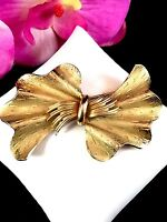 LOVELY 1940 EARLY '50'S VINTAGE CORO PEGASUS GOLD-TONE FINISH DIMENSIONAL BROOCH
