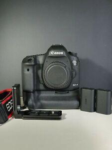 Canon 5D MK III Body w/ BG-E11 Genuine Canon Battery Grip + 2 Batteries + Cards