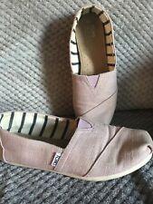 Ladies Toms Size 6