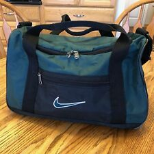 NIKE Duffle Bag / Gym Bag / Weekender - Small - Green - Very Nice Condition!