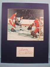 Nhl Hockey Great - Bobby Hull of the Chicago Blackhawks & his autograph