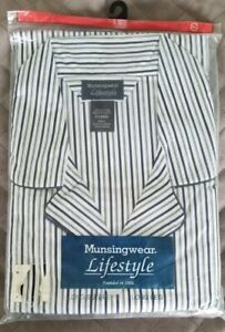 Munsingwear XL Vintage Blue Stripe Broadcloth 2 Piece Long Sleeve Pants Pajamas