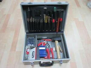 Werkzeugkoffer mit Inhalt, Handwerkzeuge, Bohrer usw. - Bitte Ansehen   3N5598