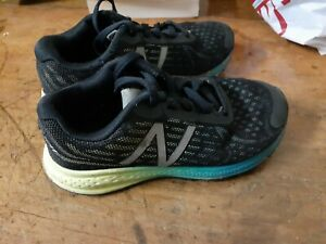New Balance Boys Runners sneaker Size 13