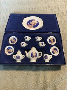 Barbie Tiny Travel Tea Set