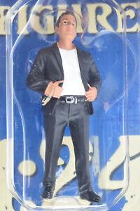 "American Diorama ""Hanging Out 2"" - Manuel 1/24 Resin Display Figure AD-38283"