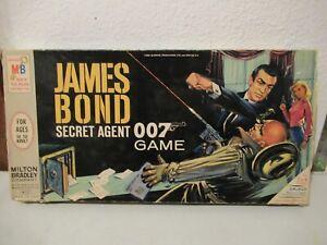 James Bond Secret Agent 007 game vintage MILTON BRADLEY in box