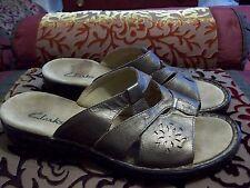 Clarks Women's Sandals, slip on, Bronze Metallic, 8 Wide GUC