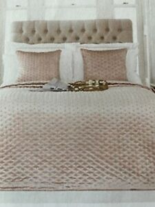 Brand New with Tags Luxury Pink Velvet Bedspread - Paoletti