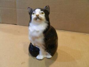 "Royal Doulton Black & White Persian Cat 5"" Figurine HN999 1930-1985"
