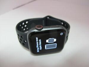 Apple Watch Series 4 Nike 44mm space gray Aluminium Sport Band (GPS + cellular)