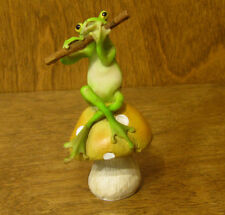 Top Collection Enchanted Story Fairy Garden #4011 FROG PLAYING FLUTE on MUSHROOM