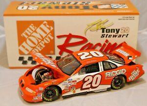 NASCAR Diecast Car 1:24 #20 Tony Stewart 1999 Home Depot Pontiac