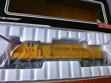 Atlas TM HO #10001222 Union Pacific Diesel EMD GP38-2 Locomotive Road #579
