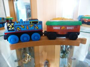 Thomas Tank Engine & Friends LC Wooden Railway Train Track BUZZY BEES CAR Sounds
