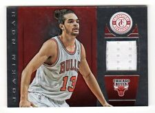 Joakim Noah NBA 2013-14 Totally Certified Materials rouge (Chicago Bulls) #/99