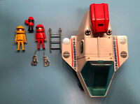 1980 PLAYMOBIL SPACE SHUTTLE  RF-Y-162 PLAYMOSPACE WITH PEOPLE AND ACCESSORIES