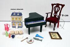 lot objets miniature, chaise, piano, aliments,maison de poupée, vitrine   M5