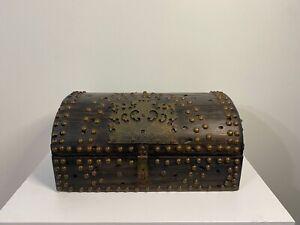 Antique brown chest box, red velvet Interior, great condition