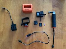 GOPRO HERO 7 BLACK WITH EXTRA BATTERIES SD CARD FLOATY AND HANDLER