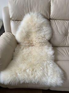 Bowron Long Wool Gold Star Sheepskin Rug Cream