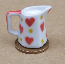 1:12 COMPLETO 6 lati in ceramica cuore Motif Brocca con latte DOLL HOUSE miniatura CUCINA