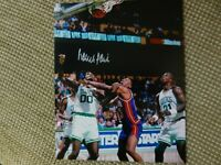 BOSTON CELTICS HALL of FAMER #00 ROBERT PARISH AUTOGRAPHED 8x10 PHOTO